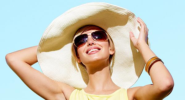 lady wearing sunglasses_3