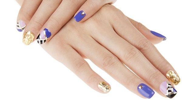 sweet geometric nail design